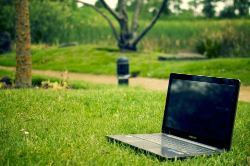 notebook-405755_1280 9 Simple Blog Rules: Photo of laptop on grass in park