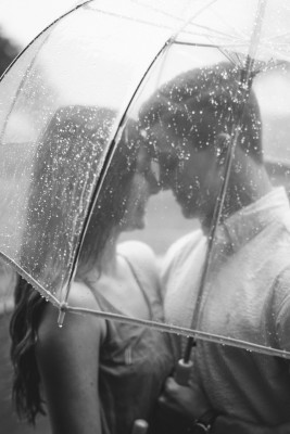people-768541_1280 7 Ways To Deal With The Fear Of Intimacy: B&W photo of couple under clear umbrella , face to face