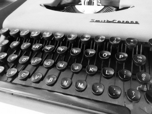 typewriter-964687_1280 Never give up on your writing dream: B&W photo of old typewriter