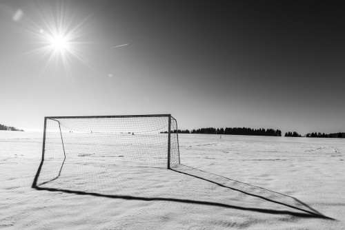 goal-863365_1280 5 Pomises, successes and failures: Photo of soccer goal in the snow