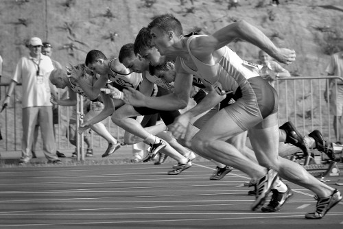 spot-862274_1280 5 Active Cures For Writer's Block: B&W photo of track race start