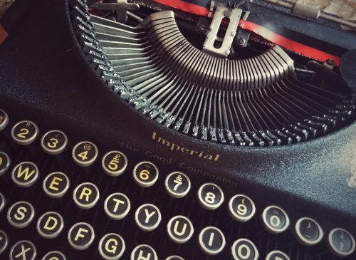Why I write about writing at Hip Diggs: Photo of old typewriter.