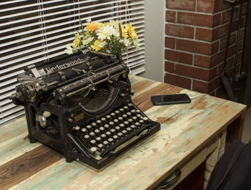 Photo tour: Old typewriter on old desk.