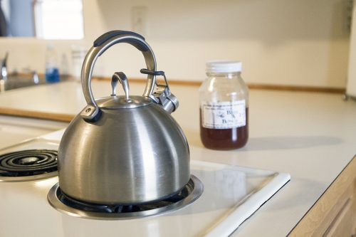 Rags: Photo of tea kettle and honey